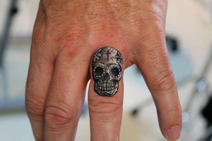 Amazing wolf finger tattoos Design Idea for Men and Women