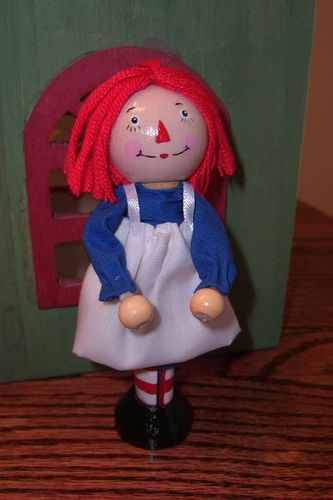Raggedy Ann clothespin doll....