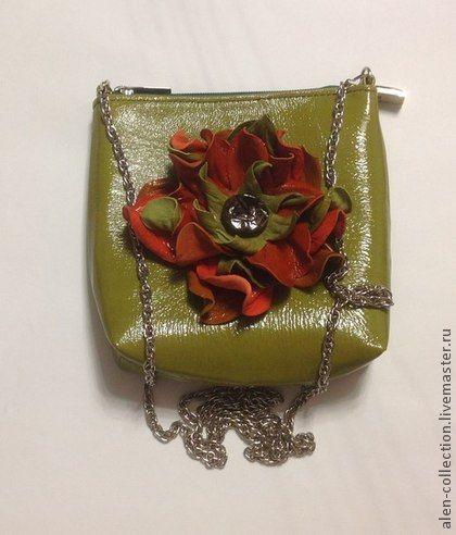 Маленькая сумочка из натуральной кожи(Арт.S-17). Маленькая сумочка из натуральной кожи.    В сумочку помещаются-ключи,кошелёк,проездной,что то из косметики)  Стоимость сумочки на цепочке-1200 руб.  Стоимость сумочки на кожаном ремешке-1400 руб.
