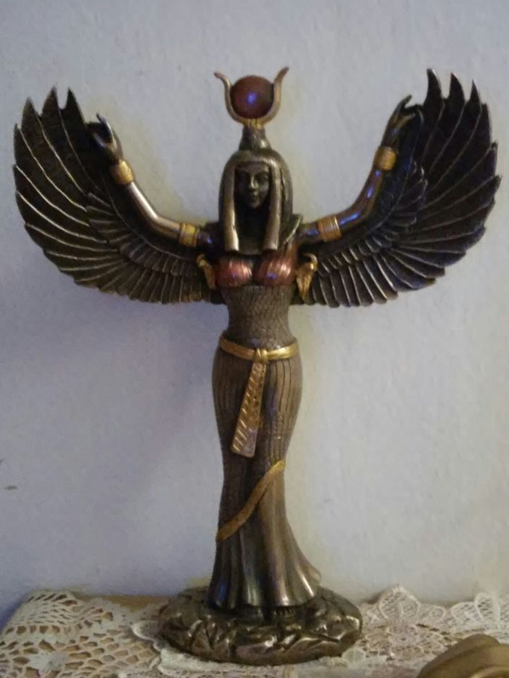 Isis statue ancient egypt
