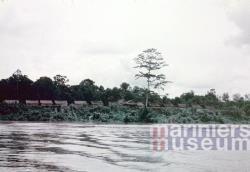 Dorp aan de Digoelrivier, 1959