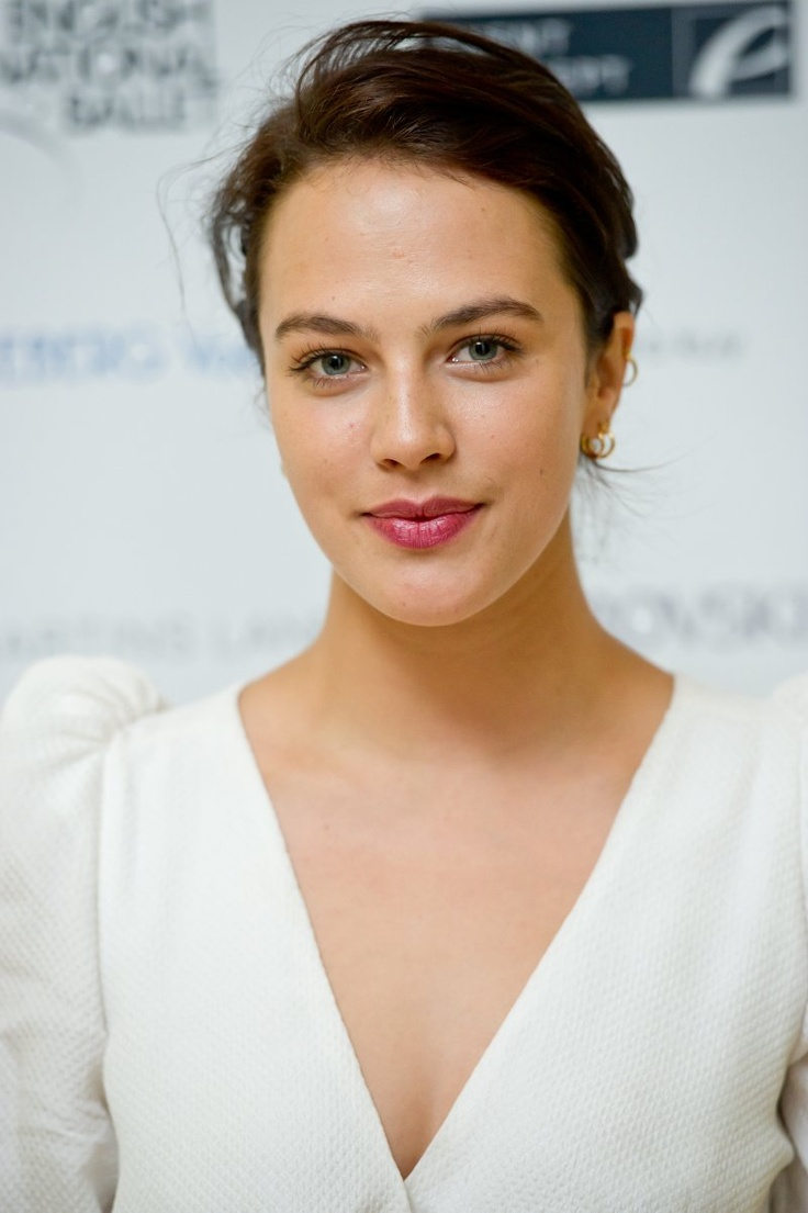 Jessica Brown Findlay- all dolled up - we   miss her as Sybil- why did that character  have to die?