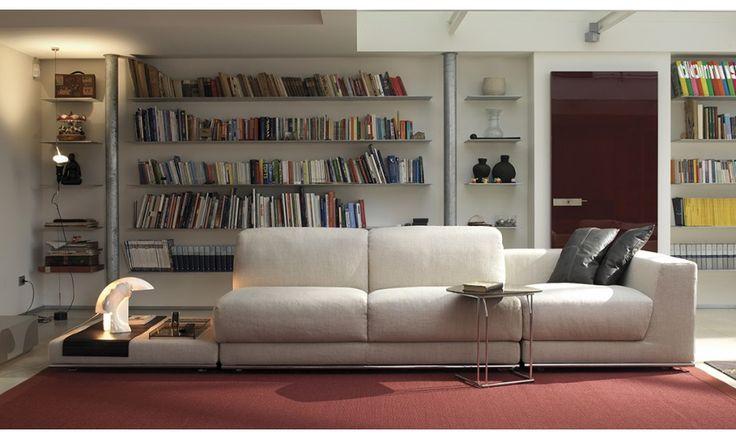 Un canapé convertible qui vous assurera un sommeil de qualité et qui a l'avantage d'être modulable selon l'architecture de votre espace et à votre guise.