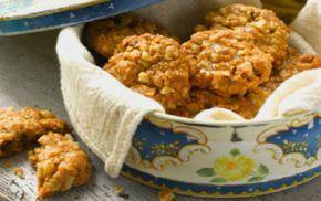 Μπισκότα με μέλι, κουάκερ και καρύδια