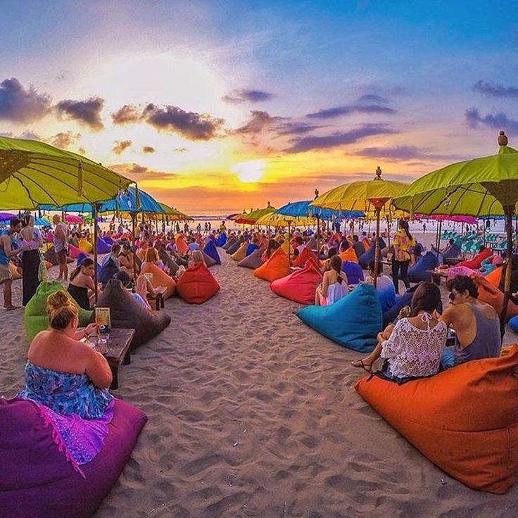 Tag Temen2nya Yuk.. Menikmati Suasana Sunset Di Pantai Sem