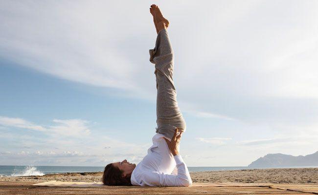 11 exercícios de yoga para turbinar seu dia e a sua energia