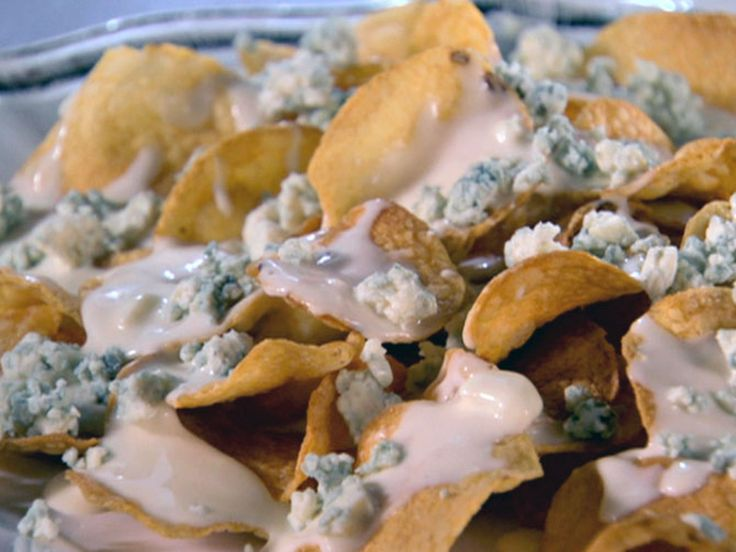 Get this all-star, easy-to-follow Roquefort Cheese Chips recipe from Sandra Lee