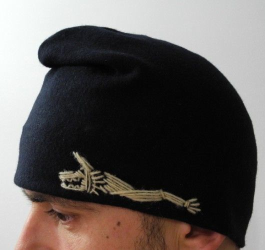 Dacian hat, whool, decorative sewing draco -the Dacian stindard