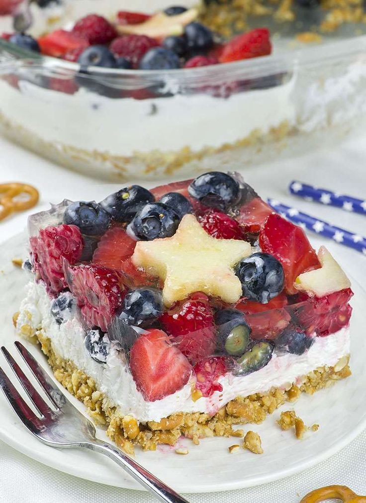 No Bake Summer Berry Pretzel Salad | Chocolate Dessert Recipes – OMG Chocolate Desserts