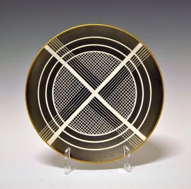 Plate by Nora Gulbrandsen for Porsgrund Porselen. Production year 1937. Model 1795. Decor 1513.