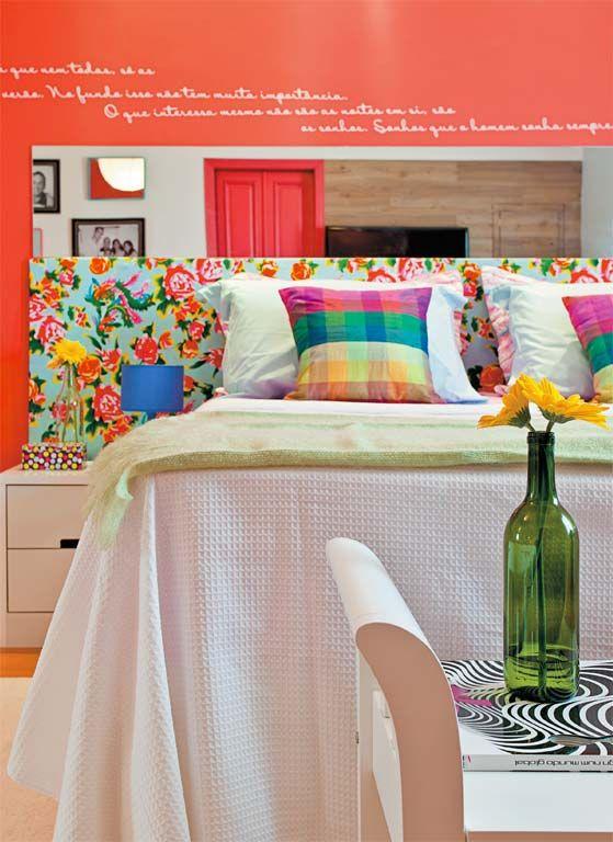 Minha casa renovada: quarto ganha cores fortes e cantos organizados - Casa
