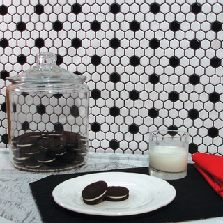 SomerTile 12x10.25-in Victorian Hex 1-in White/Black Dot Porcelain Mosaic Tile (Pack of 10) | Overstock.com