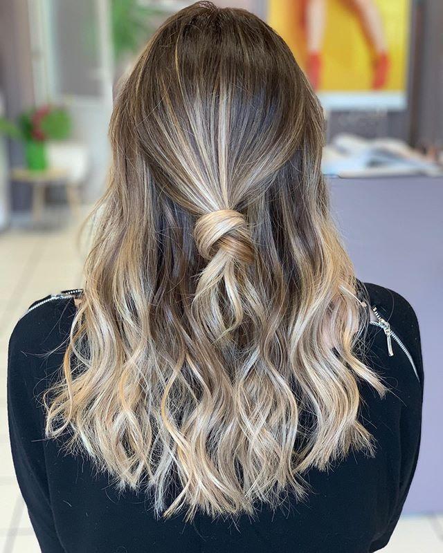 New The 10 Best Hairstyle Ideas Today With Pictures Hello Hello Les Girls Voici Un Retour Sur Un Ombre Hair F Patine Cheveux Cheveux Naturels Cheveux