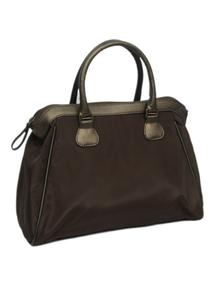 This on-trend satchel piece from Baggit is the epitome of chic style and feminine elegance.