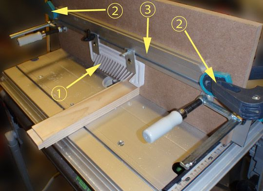 an additional vertical board mounted on Festool CMS router table to allow routing pieces which are thin