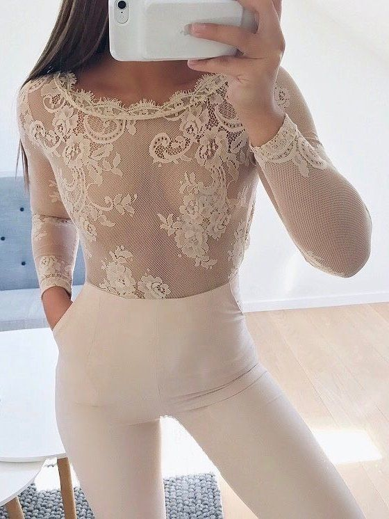 #summer #outfits White Lace Top + White Leggings 🙋🏼✨💫
