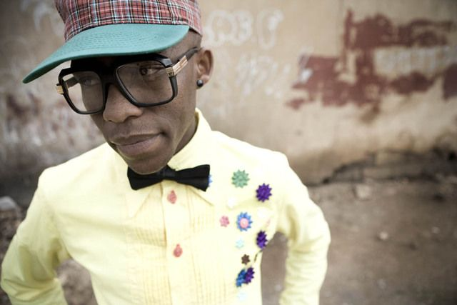 by ASHE on SEPTEMBER 15, 2009    I was beholden when I came images by photographers Chris Saunder's and Nontsikelelo Lolo Veleko of South African Street Stylings, I was instantly smitten.The bold color combinations, the contrasting patterns and graphic designs, and geek chic stylings of South African youths.  It's amazing to think of more traditional African tribal patterns (bold, geometric, vibrantly colored) and to see how many qualities are remaining, . . .