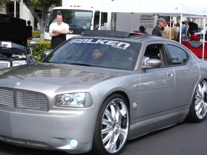 Black Dodge Charger On 26 Inch Rims Find the Classic Rims of Your Dreams - www.allcarwheels.com