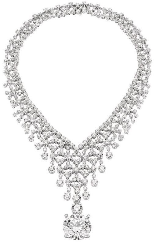 Amazing Bulgari diamond necklace via Terri McManus.