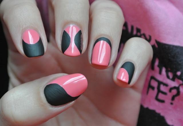 Glossy pink and matte black polish design #geometric