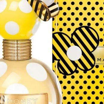 Marc Jacobs於2001年推出女香大獲好評後,近幾年又陸續推出特色香水。除了味道怡人外,最特別的就是俏皮活潑的包...