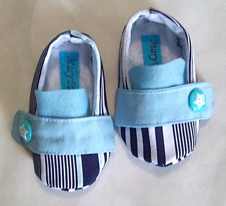 Sapatinhos de bebês para o enxoval
