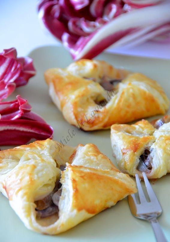 Fagottini di pasta sfoglia al radicchio e mozzarella ricetta veloce
