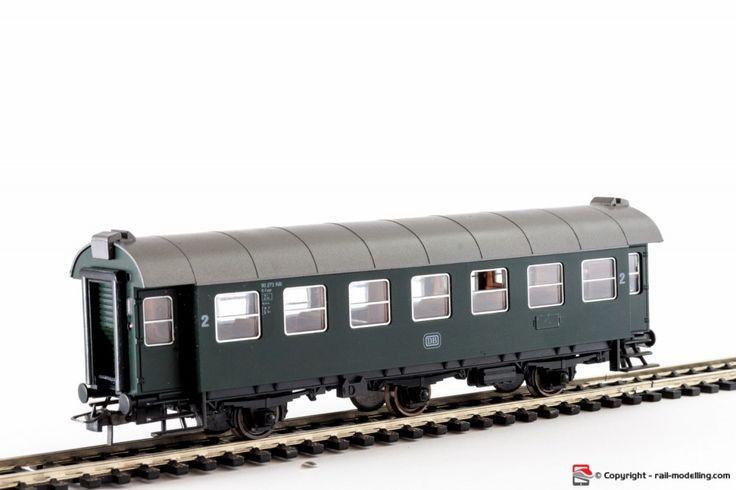 ROCO 4214 - H0 1:87 - Carrozza viaggiatori DB a tre assi sterzanti  con cofezione