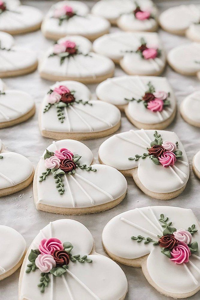 45 Creative Non Traditional Wedding Desserts Wedding Forward In 2020 Sugar Cookies Decorated Halloween Sugar Cookies Decorated Fancy Cookies