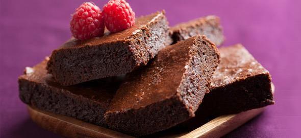 Τα brownies αποτελούν το αγαπημένο γλυκό πολλών φίλων της σοκολάτας κι εμείς σας παρουσιάζετε τις αγαπημένες μας συνταγές!