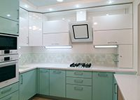 Арма, бирюзовая кухня с белым http://www.kuhnimixx.ru