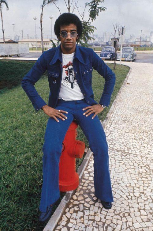 Caetano Veloso durante ensaio de capa para a revista Realidade – 1971. (Jorge Butsuem) Jorge Ben – 1973. (J. Ferreira da Silva) Gal Costa – 1968. (J. Ferreira da Silva) Cartola – 1975. (Carlos Namb…