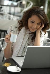 http://images.dxneurope.eu/310008850/kavezo_lany_laptop_elott.jpg
