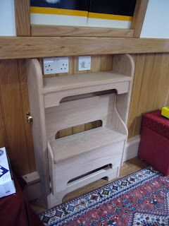 fold up steps- this could help with the shape of the kitchen return.