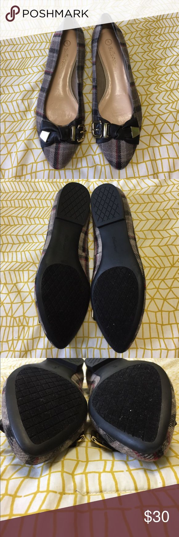 Bella Vita plaid flats Bella Vita Plaid Flats. Size 10. EXCELLENT like new condition. Leather bow with gold embellishment. Bella Vita Shoes Flats & Loafers