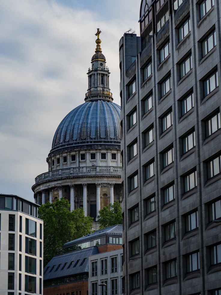 Hiding from View, St Paul's