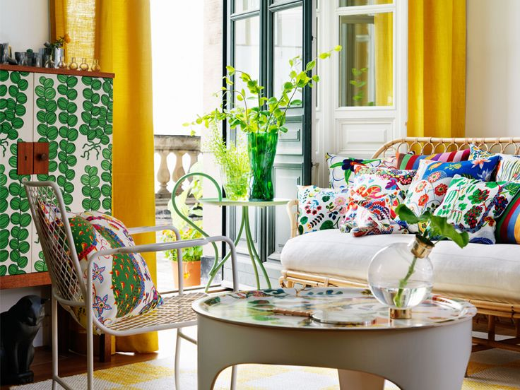 Summer interior with Josef Frank prints by Svenskt Tenn.