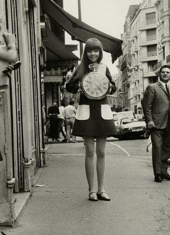 Модель Пенелопа Три в платье от Ив Сен-Лорана (1967 год)