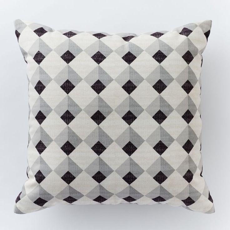 Outdoor Diamond Tiles Pillow
