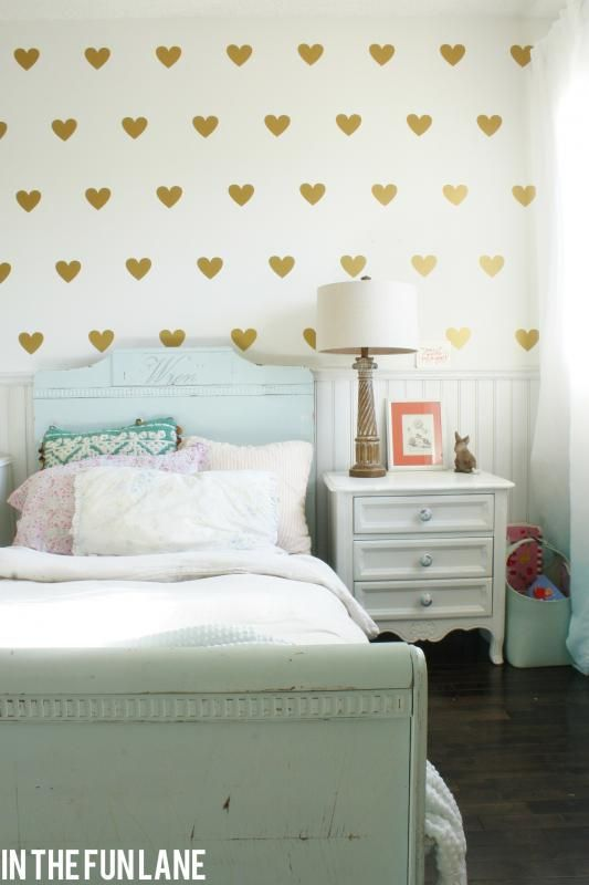 Adorable girl's room makeover :: DIY instructions for the gold heart wallpaper too