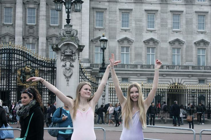Buckingham Palace /// Piranha shoot with PINK && LILAC swimsuits
