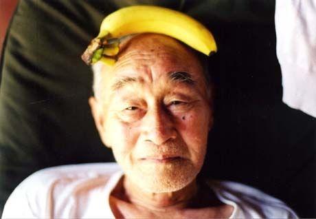「うめめ」ヒット、梅佳代さん最新作は「じいちゃんさま」-刊行記念展も