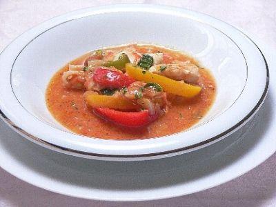 レンジで、鶏肉とパプリカのトマトソース煮