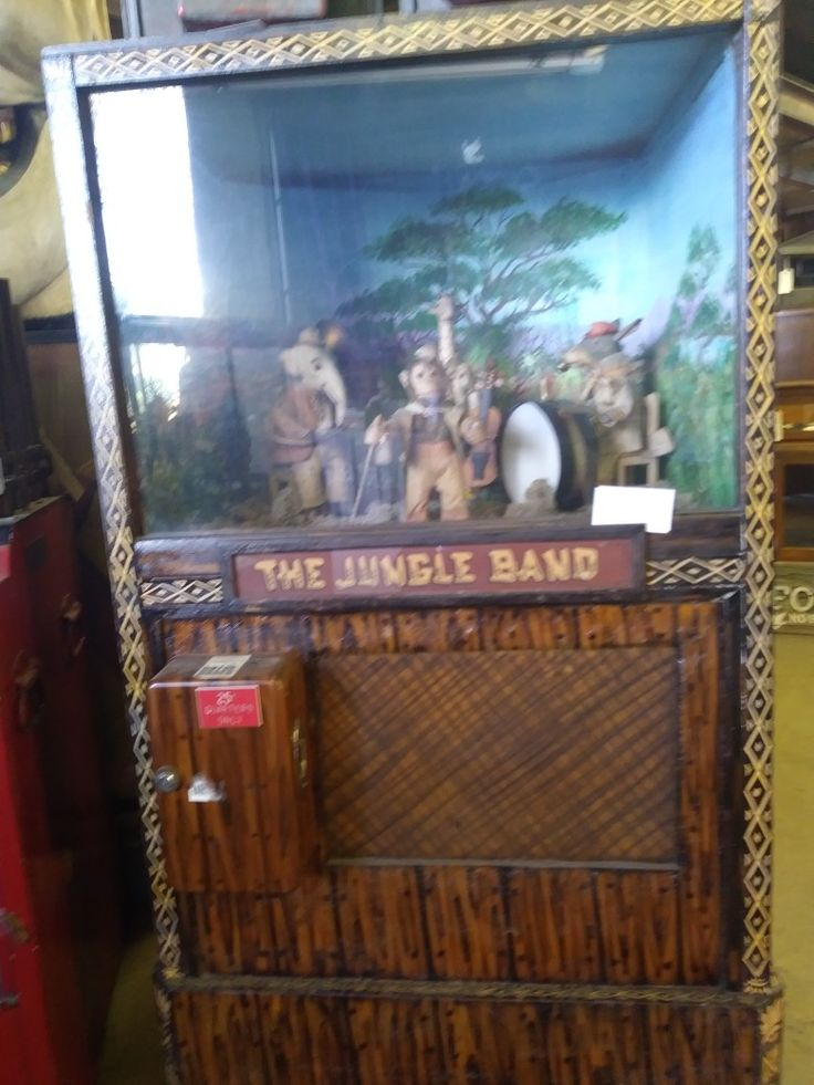 Knott's Berry Farm coin operated machine Jungle Band