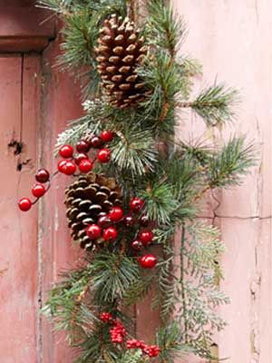 47 best images about a christmas pine cone on pinterest for Christmas decorations using pine cones