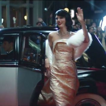 """The AMAZING secret behind Taylor Swift's gown seen in """"Wildest Dreams"""""""