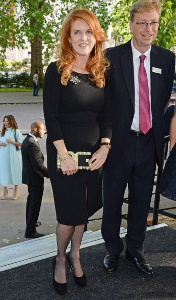 LONDON, ENGLAND - JUNE 10: Sarah Ferguson (L), Duchess of York, attends the Art Antiques London Gala Evening in aid of Children In Crisis at Kensington Gardens on June 10, 2014 in London, England. (Photo by David M. Benett/Getty Images)