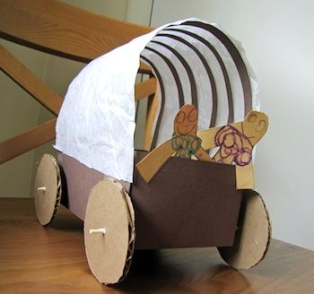 pioneer crafts for kidsCamps Ideas, Crafts Ideas, Little House, Pioneer Crafts For Kids, Wagon Crafts, Covers Wagon, Oregon Trail, Kids Crafts Social Study, Cardboard Crafts