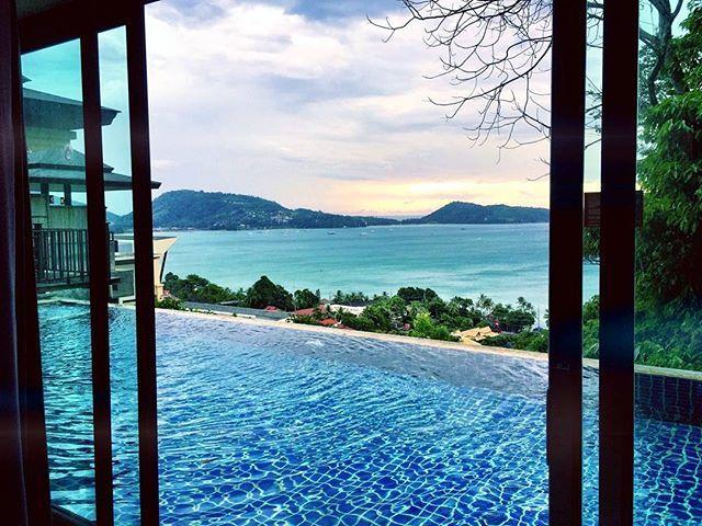 Tiba-tiba aku kangen ke #Phuket #Thailand deh! Rencananya sih libur panjang pas #Lebaran nanti mau aku manfaatin buat liburan bareng keluarga aku. Beruntungnya pas aku lg asyik browsing hotel online, aku ngeliat ada #PromoKetupat di MisterAladin.com! di mana @MisterAladin ngasih kejutan berlipat buat kalian. Hotel-hotel didiskon s.d 67% terus bisa langsung dapet potongan 15% PLUS cashback sampai 200ribu juga!  Yuk, buat kalian yg mau liburan lebaran nanti mending langsung booking sekarang…