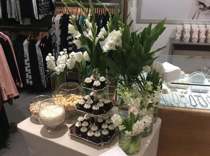 To Celebrate the opening of Shop 221 Shepparton lush green and whites, simply stylish